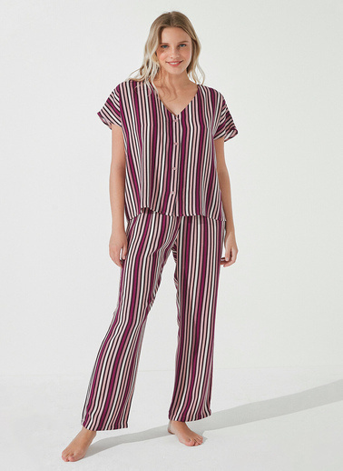 Penti Burgundy Stripe Gömlek Pantolon Takımı  Kadın  Pijama Takımı  Ana Kumaş Vıscose 100,00 Ana Kumaş Vıscose 100,00   Mor